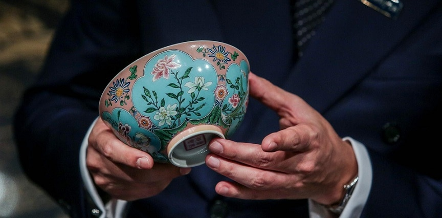 1-china-a-bowl-of-qing-dynasty-sold-in-200-crore-rupees