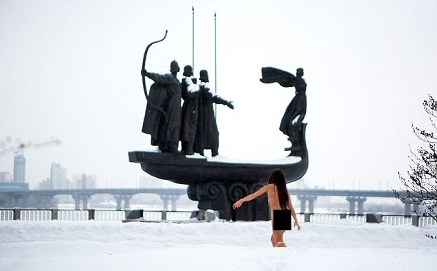 4-Woman-says-jogging-naked-in-snow-every-weekend-is-the-secret-to-looking-young