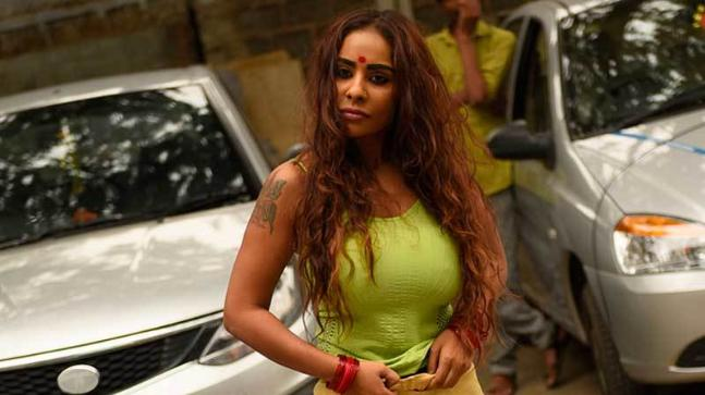 1-Sri-Reddy-Exclusive-Top-producers-son-forced-me-to-have-sex-in-the-studio
