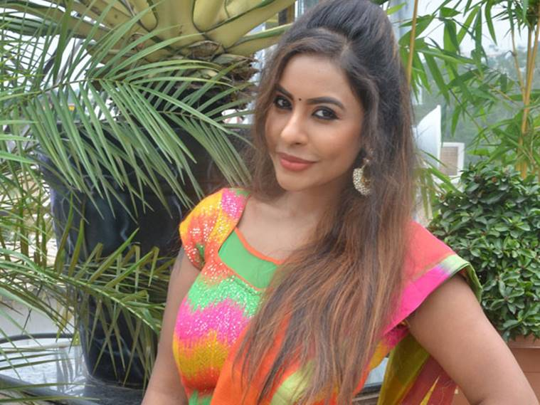 3-Sri-Reddy-Exclusive-Top-producers-son-forced-me-to-have-sex-in-the-studio