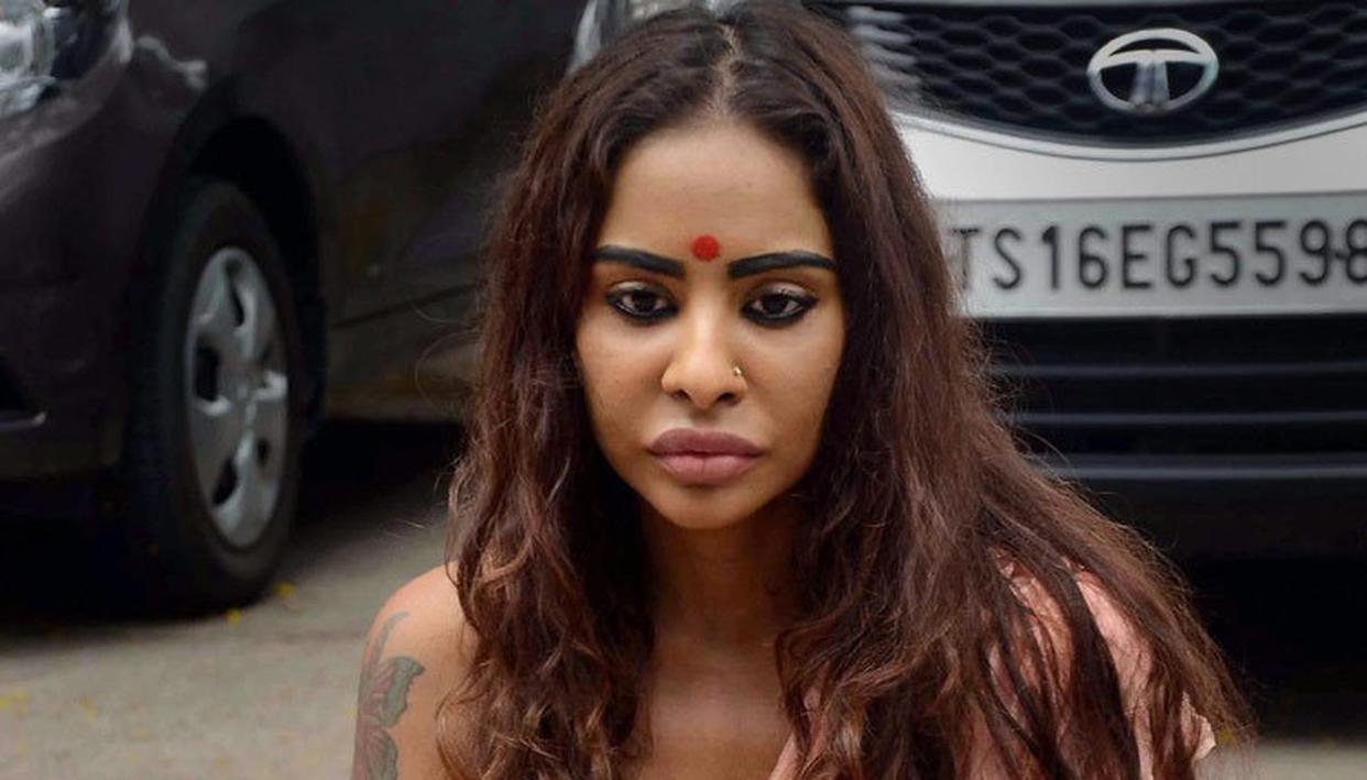 6-Sri-Reddy-Exclusive-Top-producers-son-forced-me-to-have-sex-in-the-studio