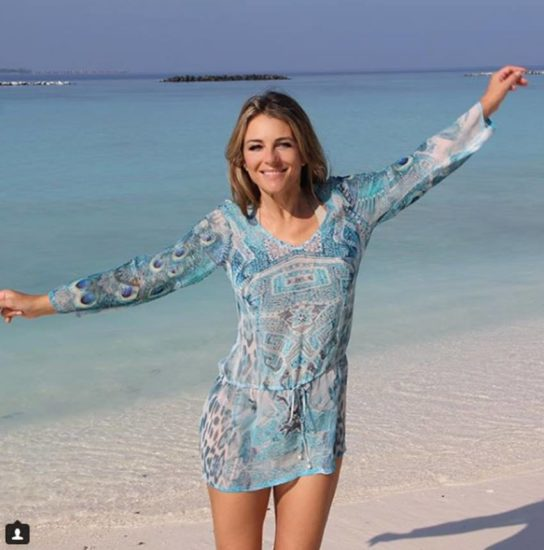 10-Elizabeth-Hurley-sparks-meltdown-in-boob-baring-cut-out-swimsuit3