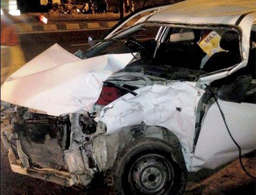 Pilibhit: Sex in speeding car kills male driver, female hospitalised with multiple injuries