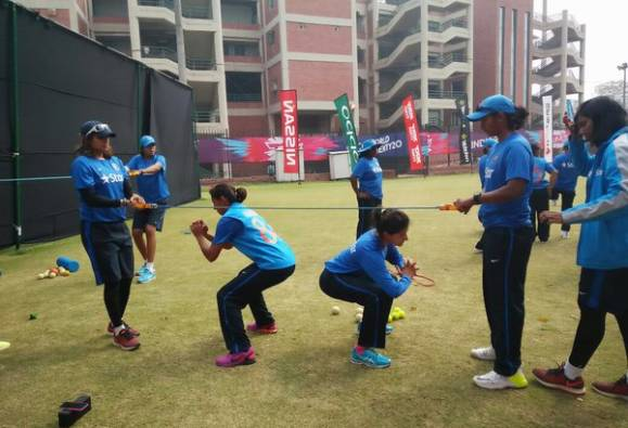 India start favourites against Pakistan in WT20 women's contest today