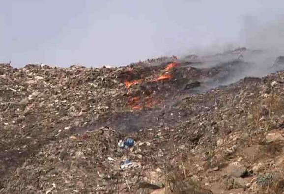 Deonar dumping ground fire: Air quality of Mumbai plunges, Delhi fares better