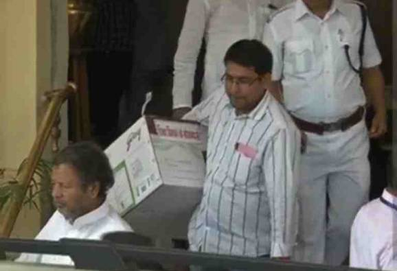 After gifts to MLAs kicks up row, Nitish to nix the practice