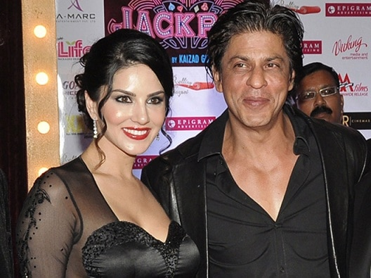 SRK shooting special song with Sunny Leone for 'Raees'