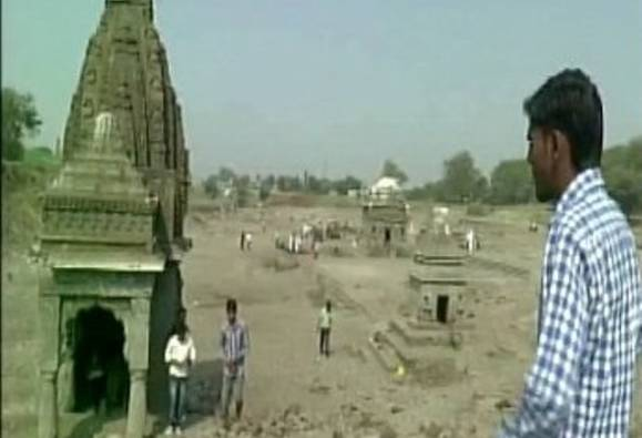 Nashik: Submerged temples resurface after 34 years