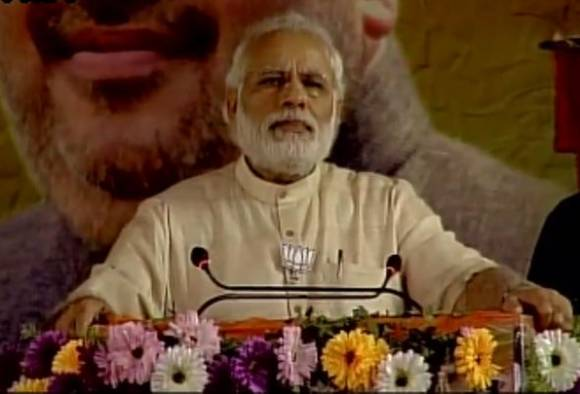 West Bengal Polls: PM Narendra Modi pauses speech during 'azaan'