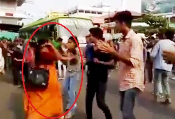 Kerala: Watch angry woman slaps girl during flash mob for stopping traffic