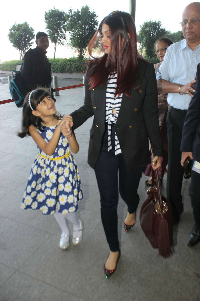 SEE PICS: Aishwarya Rai Bachchan and her cute daughter ...