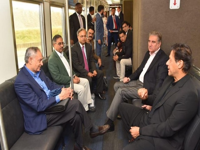 Pakistan PM Imran Khan Does Not Get Due Welcome At US