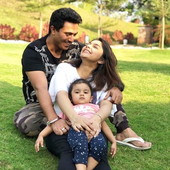 Diya Aur Baati Hum Actress Pooja Sharma Shares ADORABLE PIC