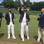 कप्तान विराट कोहली के टॉस जीतने के बाद ओपनर शिखर धवन और केएल राहुल ने दिन के पहले सेशन में श्रीलंकाई गेंदबाज़ों को पूरी तरह से बांधे रखा और 125 रनों की साझेदारी कर डाली. पहले सेशन का खेल खत्म होने तक दोनों बल्लेबाज़ों ने अपने-अपने अर्धशतक बनाए जिसके साथ भारत का स्कोर 134/0 रहा.