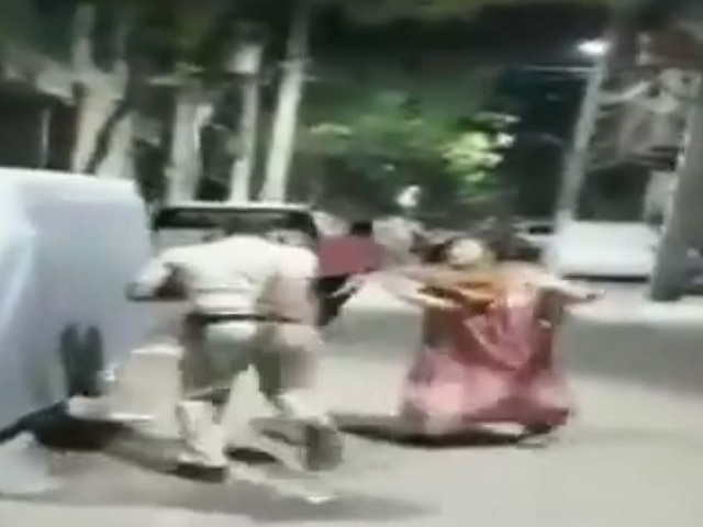 Image result for A Delhi police constable was allegedly beaten up by the residents of JJ colony in New Delhi Kalindi Kunj area in the early hours of August 3, said the Delhi Police. The constable was patrolling the area for bootleggers when the incident took place. 1 arrested