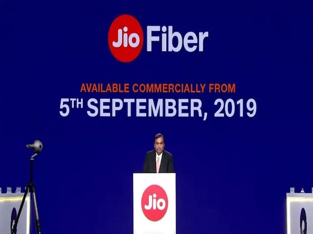 Jio fiber service how to get free LED Tv know everything here