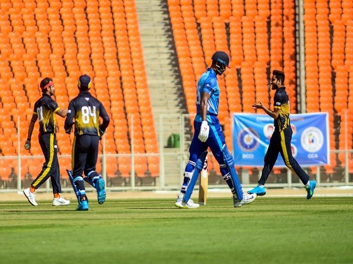 Syed Mushtaq Ali Trophy: कर्नाटक को हराकर पंजाब ने हासिल किया सेमीफाइनल का टिकट thumbnail