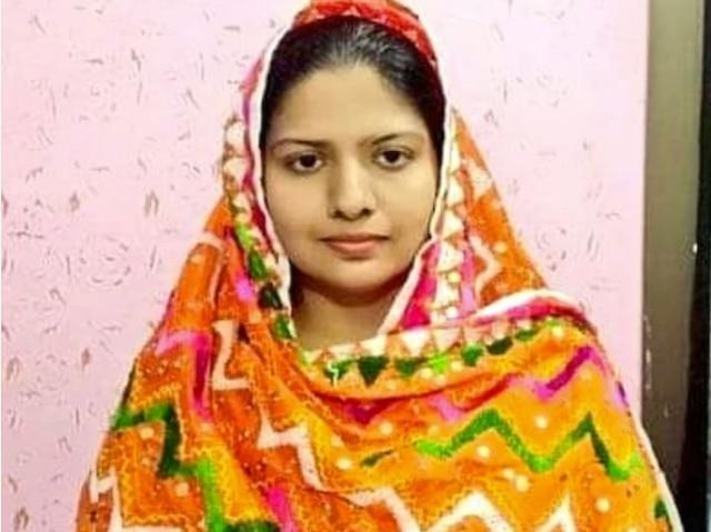 pakistan-pushpa-kolhi-the-first-hindu-girl-to-serve-sindh-police-as-officer
