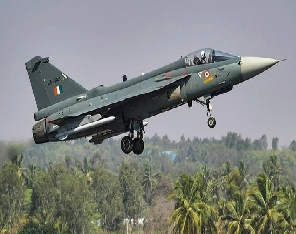 drdo hal to receive rs 45000 crore orders for 83 lca fighters