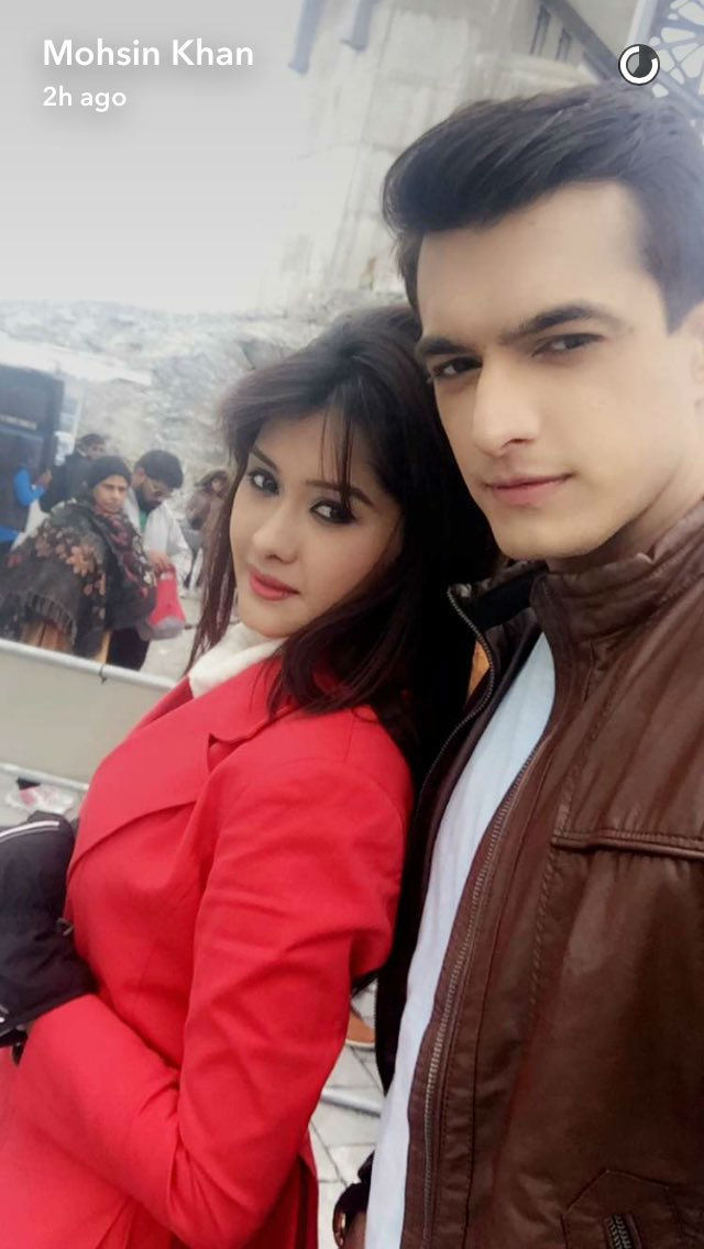 PICS & VIDEO: 'Yeh Rishta Kya Kehlata Hai' stars having a