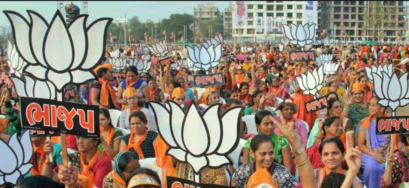 ગુજરાત સરકારના મંત્રીની તબિયત નાદુરસ્ત, સારવાર માટે સિંગાપુર લઈ જવાયા, જાણો વિગત